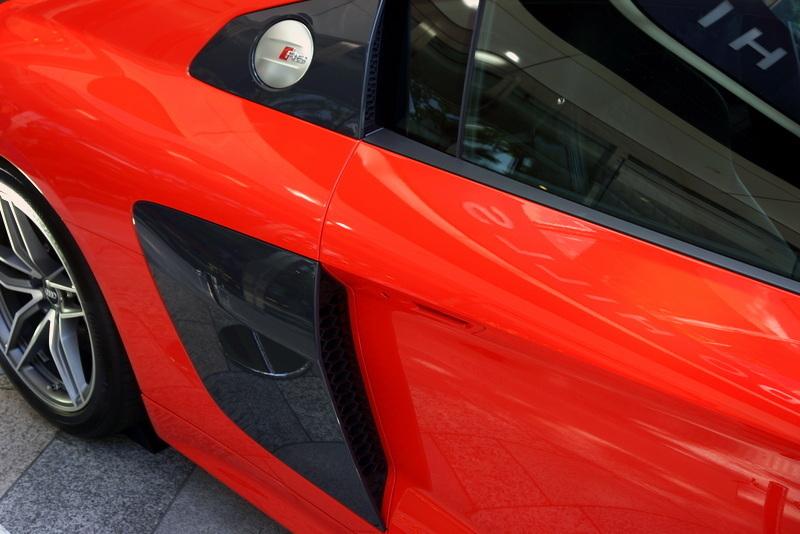 Audi R8 アウディ 表参道ヒルズ005.jpg