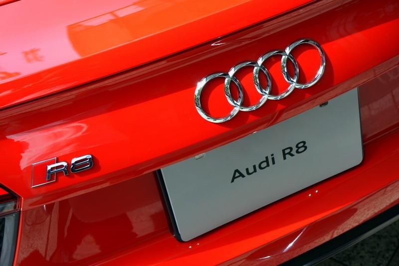 Audi R8 アウディ 表参道ヒルズ006.jpg