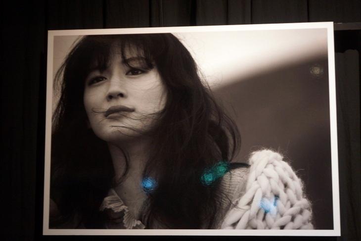 綾瀬はるか写真展0012.jpg