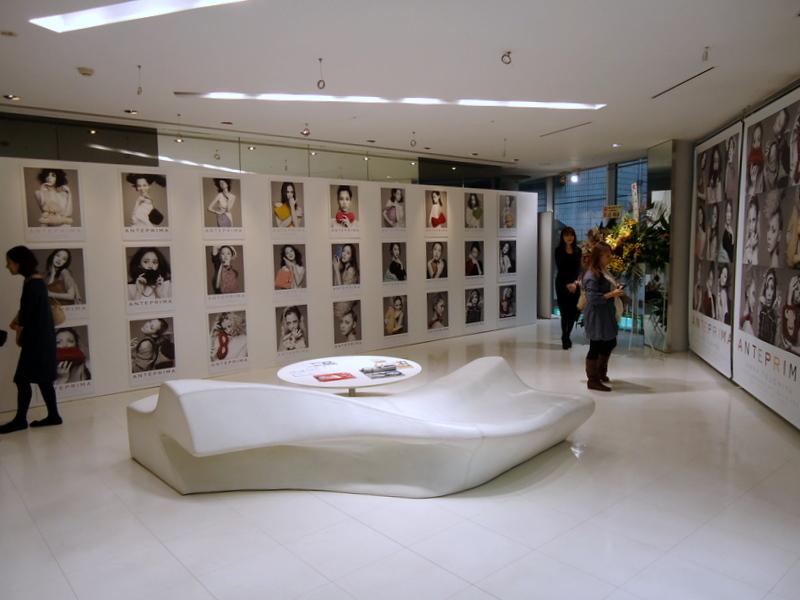 FNOファッションズ・ナイト・アウト2011アンテプリマ003.jpg