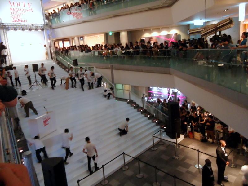 FNOファッションズ・ナイト・アウト2011オープニングセレモニー001.jpg