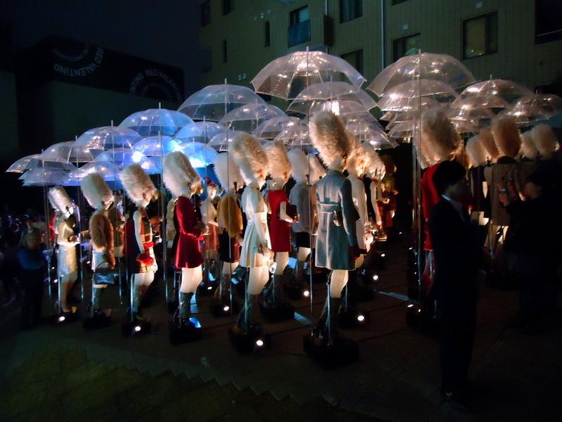 FNOファッションズ・ナイト・アウト2011プラダ0020.jpg