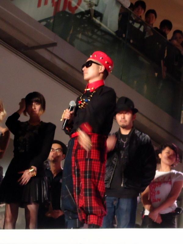 FNOファッションズ・ナイト・アウト クロージング・セレモニー003.jpg